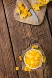 Μερίδα των κίτρινων πιπεριών (που τεμαχίζονται) Στοκ Φωτογραφίες