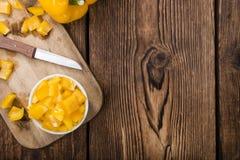 Μερίδα των κίτρινων πιπεριών (που τεμαχίζονται) Στοκ Εικόνες