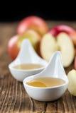 Μερίδα φρέσκο γίνοντα Applesauce (εκλεκτική εστίαση) Στοκ φωτογραφίες με δικαίωμα ελεύθερης χρήσης