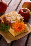 Μερίδες πιτών της Apple και πορτοκαλιά άνθιση Στοκ Φωτογραφίες