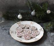 Μερικά κέικ με pine-wood Στοκ Φωτογραφίες