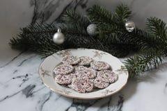 Μερικά κέικ με pine-wood Στοκ φωτογραφίες με δικαίωμα ελεύθερης χρήσης