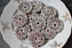 Μερικά κέικ με pine-wood Στοκ φωτογραφία με δικαίωμα ελεύθερης χρήσης