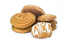 Μερικά μπισκότα για το πρόγευμα στο άσπρο υπόβαθρο Στοκ φωτογραφία με δικαίωμα ελεύθερης χρήσης