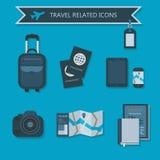 Μερικά προϊόντα πρώτης ανάγκης ταξιδιού και σχετικά εικονίδια Στοκ Εικόνες