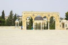 Μερικές από τις καλυμμένες δια θόλου λάρνακες στο ναό MountaThe μερικά από κάνουν στοκ εικόνες
