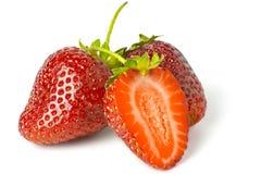 Μερικές φωτεινές κόκκινες φράουλες Στοκ Φωτογραφία