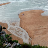 Μερικοί άνθρωποι στη θάλασσα στοκ φωτογραφίες με δικαίωμα ελεύθερης χρήσης