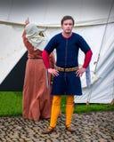 Μεσαιωνικά κοστούμια - γαιοκτήμονας και σύζυγος στοκ φωτογραφία με δικαίωμα ελεύθερης χρήσης