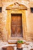Μεσαιωνικές λεπτομέρειες πορτών στην ιστορική πόλη του SAN Gimignano, Τοσκάνη Στοκ φωτογραφίες με δικαίωμα ελεύθερης χρήσης