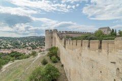 Μεσαιωνική έπαλξη τοίχων του Castle του οχυρού Άγιος-Andre Στοκ Φωτογραφία