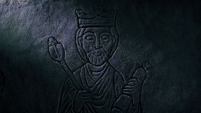 Μεσαιωνική γλυπτική βασιλιάδων που αποκαλύπτεται στον τάφο απόθεμα βίντεο