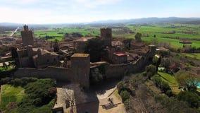 Μεσαιωνική γοτθική πέτρινη άποψη πόλης εναέρια κηφήνων απόθεμα βίντεο