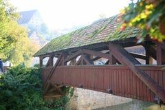 Μεσαιωνική ξύλινη γέφυρα στην αίθουσα Schwaebisch, Γερμανία Στοκ φωτογραφίες με δικαίωμα ελεύθερης χρήσης