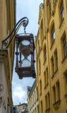 Μεσαιωνική οδός στην παλαιά Ρήγα Στοκ εικόνες με δικαίωμα ελεύθερης χρήσης