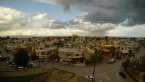 Μεσαιωνική παλαιά πόλη από το ύψος των τοίχων φρουρίων, Famagusta, Κύπρος απόθεμα βίντεο