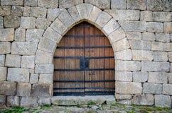 Μεσαιωνική πύλη κάστρων Στοκ φωτογραφία με δικαίωμα ελεύθερης χρήσης