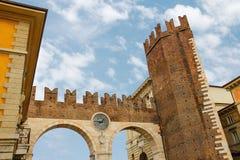 Μεσαιωνική πύλη πόλεων Ιταλία Βερόνα Στοκ φωτογραφία με δικαίωμα ελεύθερης χρήσης
