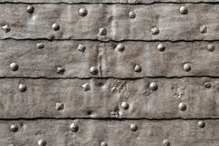 Μεσαιωνική φρουρίων λεπτομέρεια πορτών πυλών θωρακισμένη καλυμμένη σίδηρος Στοκ φωτογραφίες με δικαίωμα ελεύθερης χρήσης
