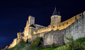Μεσαιωνική όψη νύχτας κάστρων του Carcassone. Στοκ φωτογραφία με δικαίωμα ελεύθερης χρήσης