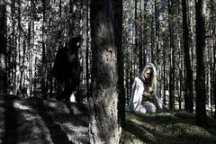 Μεσαιωνικοί άνδρας και γυναίκα Στοκ εικόνα με δικαίωμα ελεύθερης χρήσης