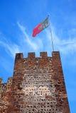 Μεσαιωνικοί πύργος κάστρων και σημαία, Silves, Πορτογαλία Στοκ φωτογραφίες με δικαίωμα ελεύθερης χρήσης