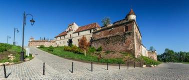 Μεσαιωνικοί τοίχοι φρουρίων Brasov, Ρουμανία Στοκ Εικόνες