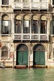 Μεσαιωνικό σπίτι στο μεγάλο κανάλι, Βενετία, Ιταλία Στοκ Εικόνες