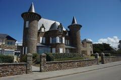 Μεσαιωνικό σπίτι ύφους στη Γαλλία Στοκ φωτογραφία με δικαίωμα ελεύθερης χρήσης