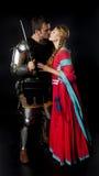 Μεσαιωνικό φίλημα ζευγών Στοκ εικόνες με δικαίωμα ελεύθερης χρήσης