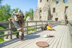 Μεσαιωνικό φεστιβάλ στο κάστρο Livonian Στοκ φωτογραφίες με δικαίωμα ελεύθερης χρήσης