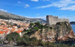 Μεσαιωνικό φρούριο και παλαιά πόλη Dubrovnik Στοκ εικόνες με δικαίωμα ελεύθερης χρήσης