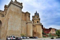 Μεσαιωνικό χωριό Olite με τους πύργους από το παλαιό κάστρο, Ναβάρρα, Ισπανία Στοκ Εικόνα