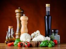 Μεσογειακά συστατικά τροφίμων κουζίνας Στοκ Εικόνες