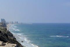 Μεσογειακή ακτή κοντά στο Τελ Αβίβ Στοκ Φωτογραφία
