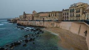 Μεσογειακή ακτή στις Συρακούσες, Σικελία Στοκ εικόνα με δικαίωμα ελεύθερης χρήσης