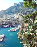Μεσογειακή ομορφιά μεταξύ της Γαλλίας και της Ιταλίας στοκ φωτογραφίες