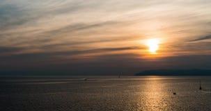 Μεσογειακός Ηλιοβασίλεμα πέρα από τη θάλασσα στην Κροατία σε 4k απόθεμα βίντεο