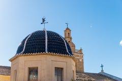Μεσογειακός θόλος εκκλησιών Στοκ εικόνες με δικαίωμα ελεύθερης χρήσης