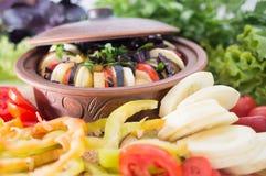 Μεσογειακός χορτοφάγος κουζίνας ratatouille από τα λαχανικά Στοκ φωτογραφία με δικαίωμα ελεύθερης χρήσης