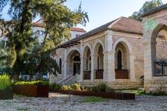 Μεσογειακό αστικό τοπίο, σπίτι πετρών με τα archs, Ιερουσαλήμ Στοκ φωτογραφία με δικαίωμα ελεύθερης χρήσης