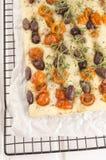 Μεσογειακό επίπεδο ψωμί στην ψύξη του ραφιού Στοκ Εικόνα