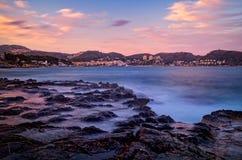 μεσογειακό ηλιοβασίλεμα ακτών Στοκ φωτογραφία με δικαίωμα ελεύθερης χρήσης