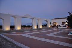 Μεσογειακό ξενοδοχείο πολυτέλειας Σύγχρονο παραδοσιακό ύφος αρχιτεκτονικής στοκ εικόνες