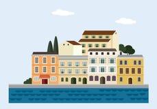 Μεσογειακό τοπίο θαλασσίως Ιταλική ή κροατική πόλη με τα ζωηρόχρωμα παλαιά σπίτια Επίπεδο σχέδιο επίσης corel σύρετε το διάνυσμα  Στοκ Εικόνες
