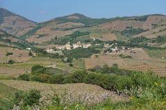 Μεσογειακό χωριό τοπίων επαρχίας της Γαλλίας Στοκ φωτογραφία με δικαίωμα ελεύθερης χρήσης