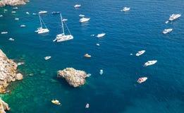 Μεσογειακό seascape, άποψη ματιών πουλιών Σκάφη αναψυχής Στοκ φωτογραφία με δικαίωμα ελεύθερης χρήσης