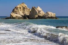 Μεσογειακό seascape: Παραλία Aphrodite - του tou Romiou της Petra, Στοκ Εικόνα