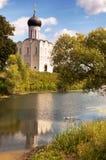 Μεσολάβηση εκκλησιών στο Nerl στοκ εικόνα