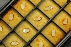 Μεσο-Ανατολικό Semolina Basbousa κέικ Στοκ εικόνες με δικαίωμα ελεύθερης χρήσης